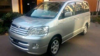 car-model-names-toyota-noah